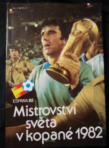 náhled knihy - Mistrovství světa v kopané 1982 (A4, Ocpl, 301 s., 32 s. příl., 208 čb, 50 bar foto)