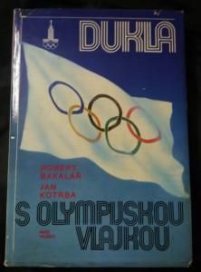 náhled knihy - Dukla s olympijskou vlajkou (A4, Ocpl, 304 s., 24 s obr příl.)