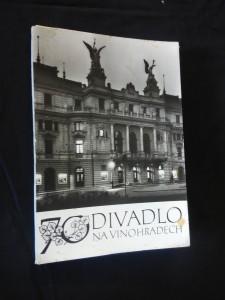 náhled knihy - 70. let Divadla na Vinohradech - 31 foto, text čj, angl., fr, něm., rj.)