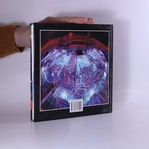 antikvární kniha Astronomie a fyzika na přelomu tisíciletí (podpis autora), 2004