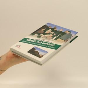 antikvární kniha Silnější než nenávist, 2012