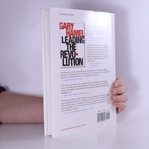 antikvární kniha Leading the revolution, 2000