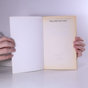antikvární kniha Mocnější než meč, 1995