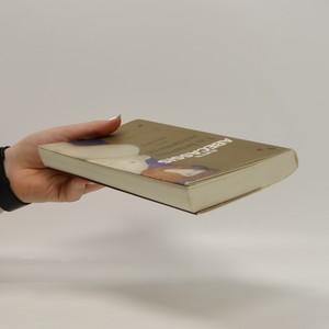 antikvární kniha Un heureux événement, 2004