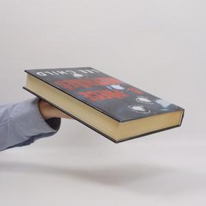 antikvární kniha A přece nezemřeš, 2000
