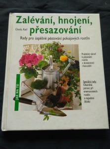 náhled knihy - Zalévání, hnojení, přesazování - rady pro pěstování pokojových květin (lam, 66 s., bar foto a il.)