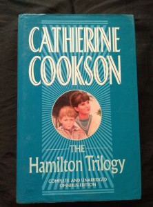 náhled knihy - The Hamilton Trilogy (A4, 574 s.)