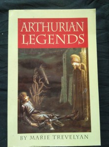 náhled knihy - Arthurian Legends (Obr, 436 s.)
