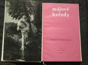 náhled knihy - Májové hvězdy (Ocpl, 92 s., foto z filmu)