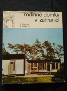náhled knihy - Rodinné domky v zahraničí (A4, Ocpl, 308 s., čb a bar foto, plánky)