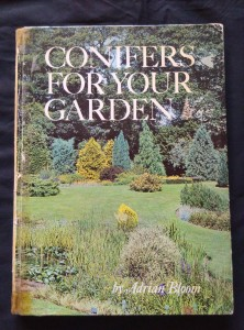 náhled knihy - Conifers for Your Garden (A4, lam, 146 s., bar fota)