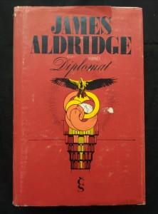 náhled knihy - Diplomat (Ocpl, 704 s.)
