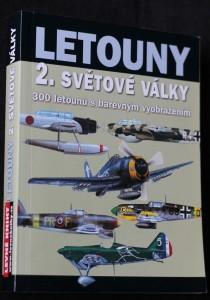 náhled knihy - Letouny 2. světové války: 300 letounů s barevným vyobrazením