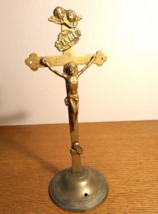 náhled knihy - Kovový krucifix
