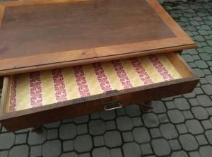 náhled knihy - Starožitný stůl
