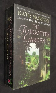 náhled knihy - The Forgotten Garden