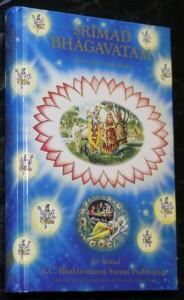 náhled knihy - Śrīmad Bhāgavatam : s původními sanskrtskými texty, přepisem do latinského písma, českými synonymy, překlady a podrobnými výklady. Zpěv 1, Stvoření