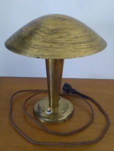 náhled knihy - Celomosazná lampa s nastavitelným stínidlem Funkcionalismus