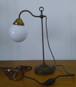 náhled knihy - Mosazná lampa Art deco