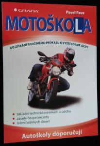 náhled knihy - Motoškola : [od získání řidičského průkazu k vyšší formě jízdy]