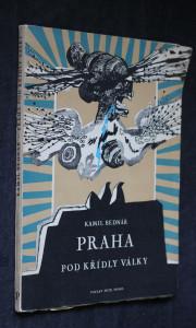 náhled knihy - Praha pod křídly války : [báseň]