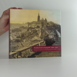náhled knihy - Pražský hrad ve fotografii 1939 - 1989. Prague Castle in Photographs 1939 - 1989
