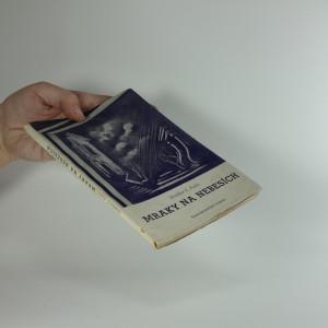 náhled knihy - Mraky na nebesích