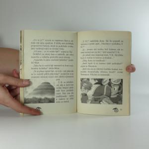 antikvární kniha Invaze černých ozubených koleček, 2002