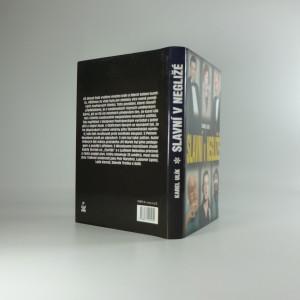 antikvární kniha Slavní v negližé, 2004