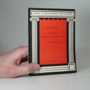 náhled knihy - Pušky paní Carrarové : Hra o 1 dějství