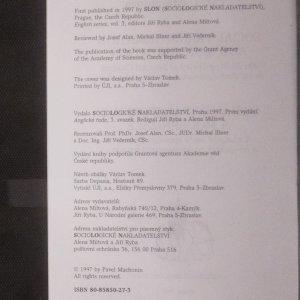 antikvární kniha Sociální transformace a modernizace. k výstavbě teorie společenských změn v evropských postkomunistických zemích. Social transformation and modernization: on building theory of societal changes in the post-communist European countries, 1997