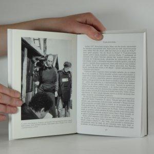antikvární kniha Od pancéřové pěsti k pancéřové vestě : šedesát let (ne)žurnalistických vzpomínek, 2002