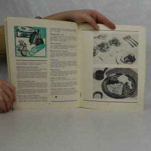 antikvární kniha Předkrmy a saláty. Sešity domácího hospodaření. Svazek 77, 1976