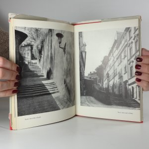 antikvární kniha Procházky Prahou, 1972