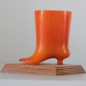 náhled knihy - Oranžový stojánek na tužky