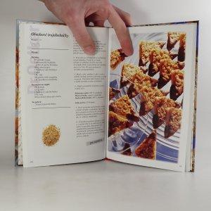 antikvární kniha Pečeme s láskou, 2005