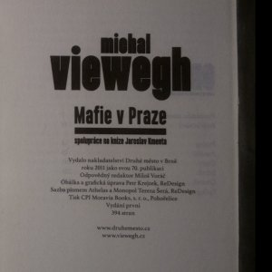 antikvární kniha Mafie v Praze, 2011