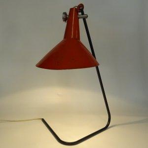 náhled knihy - Červená stolní lampa