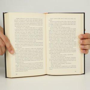 antikvární kniha Pro jméno a čest, 2016
