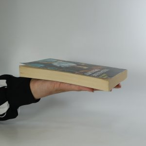 antikvární kniha  Muži a slova 2 - Vzdálené obzory , 1998