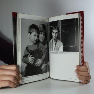 antikvární kniha Svět lidí a tváří. Czech People and Faces Photoannual, 2003