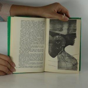 antikvární kniha ...a jen země je má, 1973