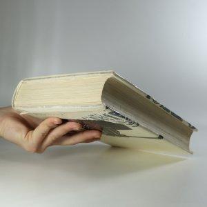 antikvární kniha Člověk se nerodí pro válku, 1965