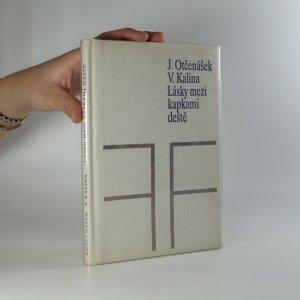 náhled knihy - Lásky mezi kapkami deště (je cítit zatuchlinou)