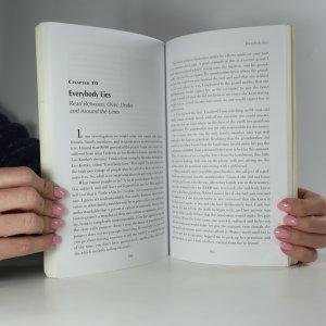 antikvární kniha Secrets of a Modern Day Bounty Hunter (asi věnování autora), neuveden