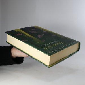 antikvární kniha Země divů, 2012