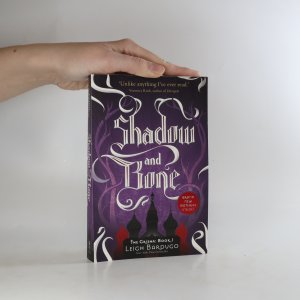 náhled knihy - Shadow and Bone. Book I of the Grisha Trilogy