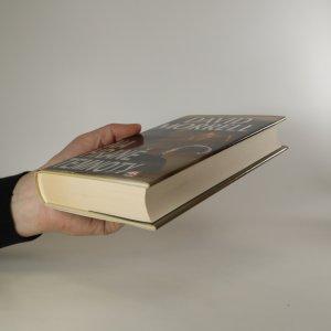 antikvární kniha Na hraně temnoty, 2013