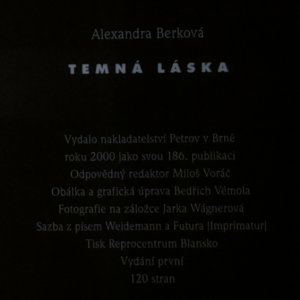 antikvární kniha Temná láska, 2000